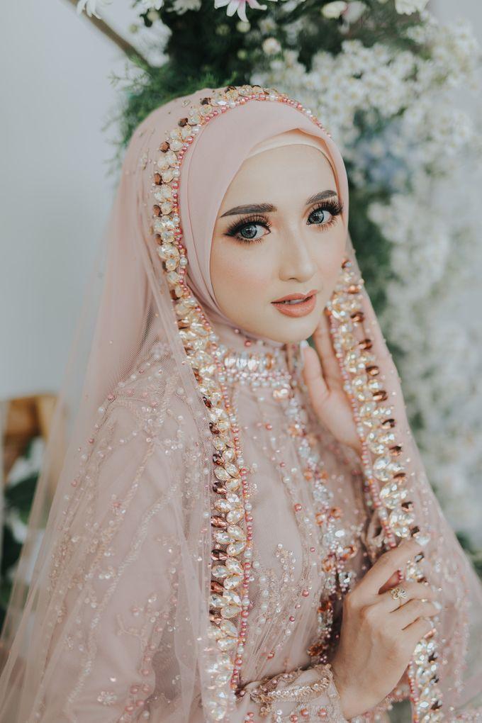 Photoshoot Dusty Pink Rainy by LAKSMI - Kebaya Muslimah & Islamic Bride - 006