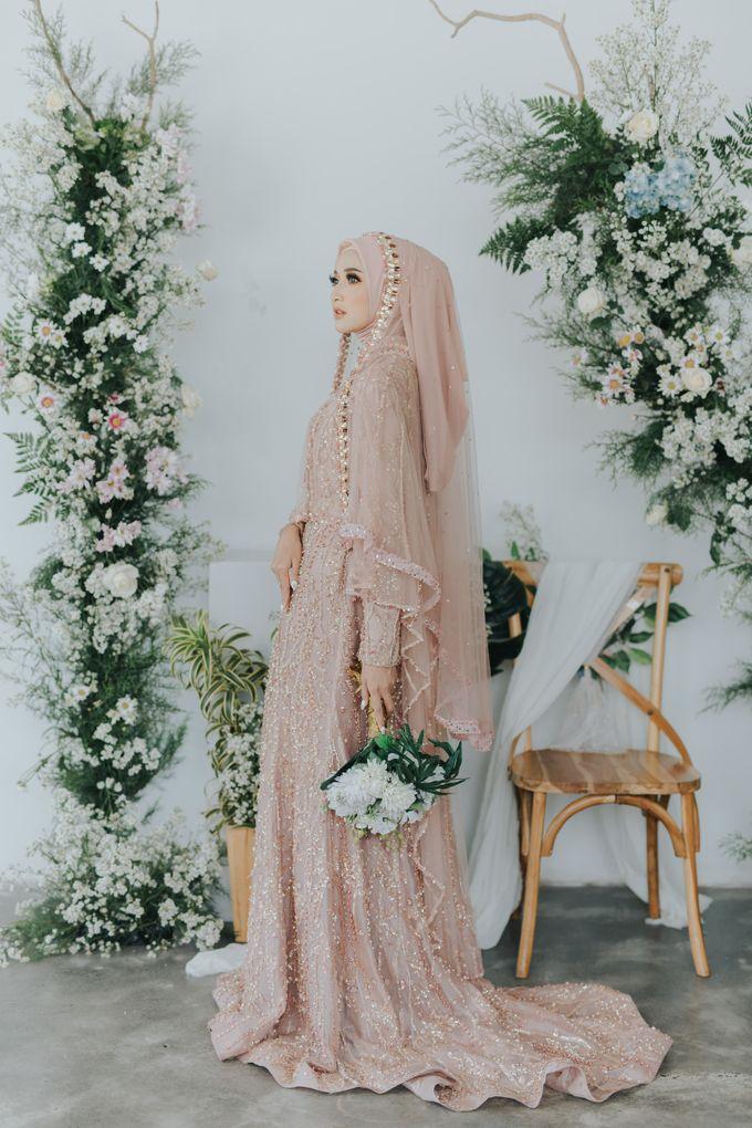 Photoshoot Dusty Pink Rainy by LAKSMI - Kebaya Muslimah & Islamic Bride - 009