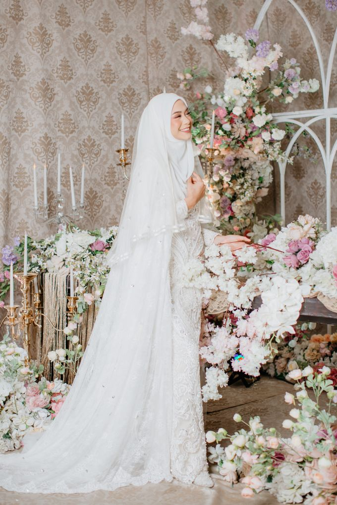 Dress Akad Sherel Thalib Photoshoot by LAKSMI - Kebaya Muslimah & Islamic Bride - 004
