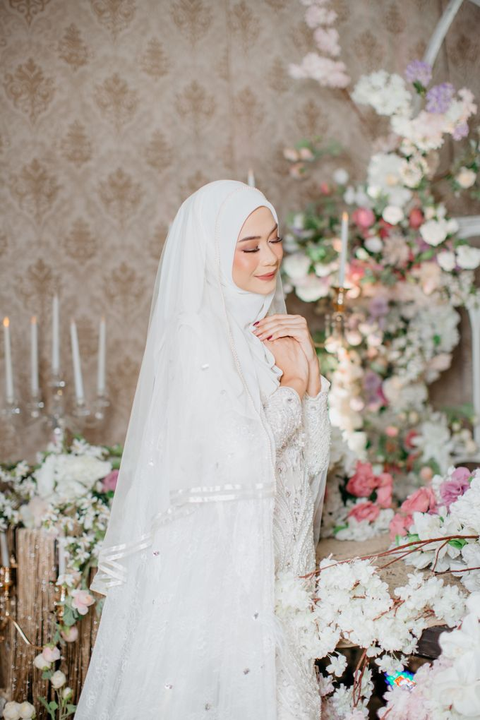 Dress Akad Sherel Thalib Photoshoot by LAKSMI - Kebaya Muslimah & Islamic Bride - 003