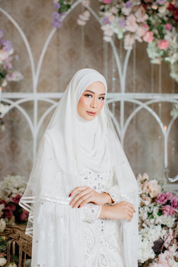 Dress Akad Sherel Thalib Photoshoot by LAKSMI - Kebaya Muslimah & Islamic Bride - 001