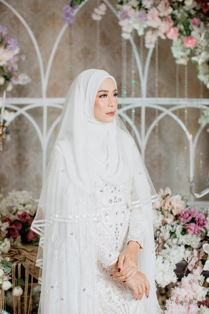 Dress Akad Sherel Thalib Photoshoot by LAKSMI - Kebaya Muslimah & Islamic Bride - 005
