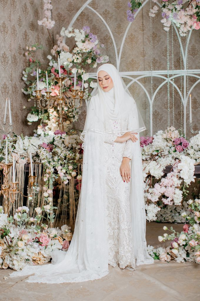 Dress Akad Sherel Thalib Photoshoot by LAKSMI - Kebaya Muslimah & Islamic Bride - 002