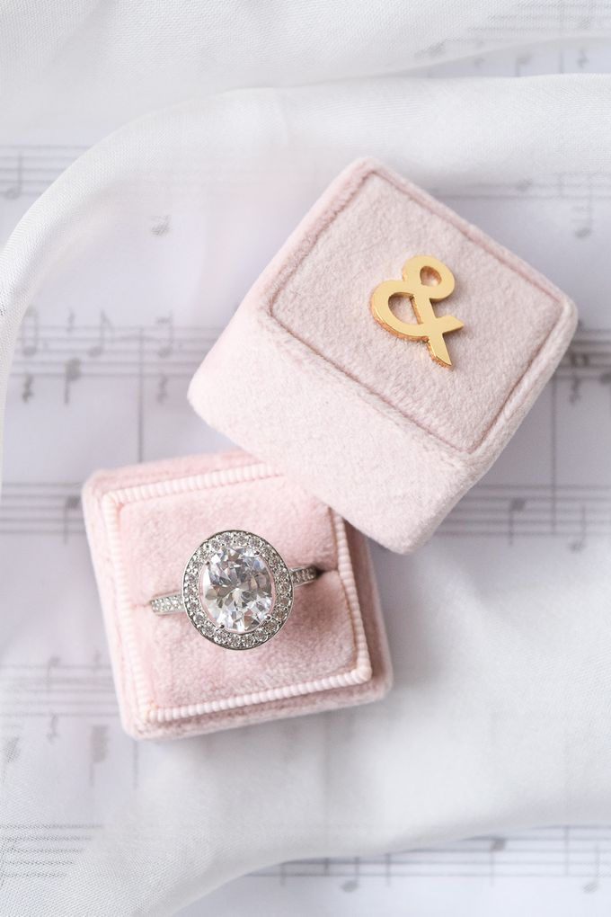 Personalised Engagement Ring Box by L'AMORE - 001