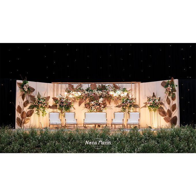Laras & Rijal Wedding Decoration by Nona Manis Creative Planner - 005
