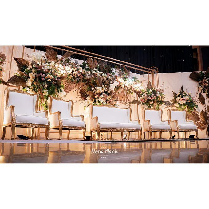 Laras & Rijal Wedding Decoration by Nona Manis Creative Planner - 007