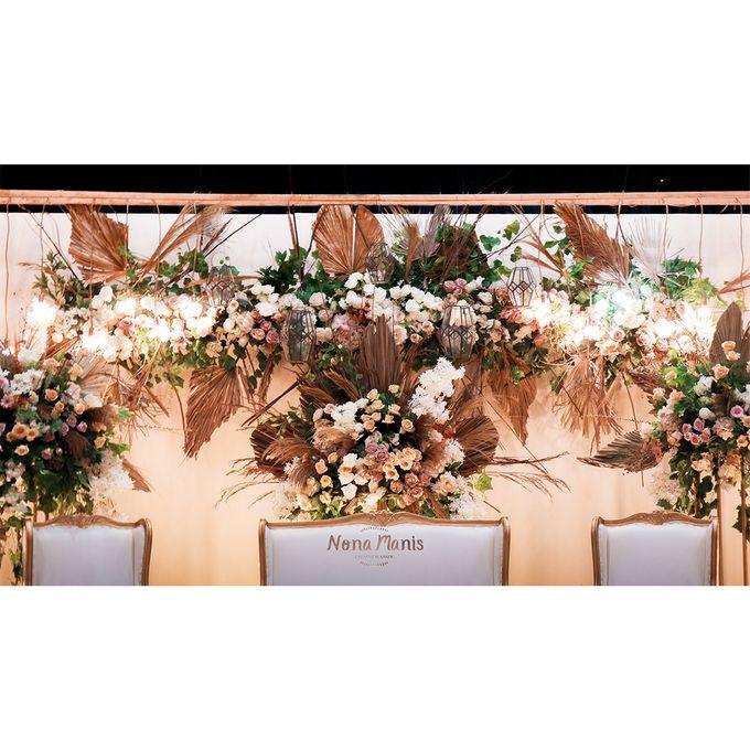 Laras & Rijal Wedding Decoration by Nona Manis Creative Planner - 008