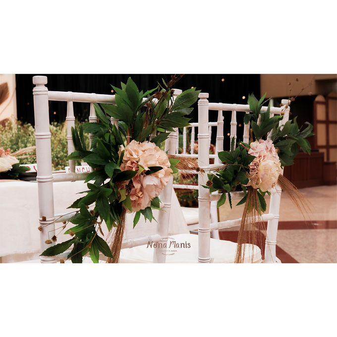 Laras & Rijal Wedding Decoration by Nona Manis Creative Planner - 009