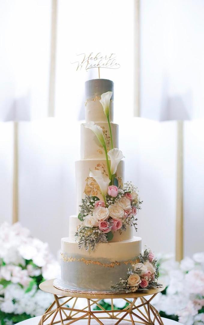 Wedding Cake - Hebert & Michelle by Lareia Cake & Co. - 002