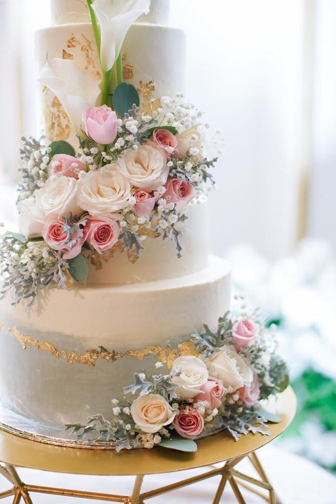 Wedding Cake - Hebert & Michelle by Lareia Cake & Co. - 003