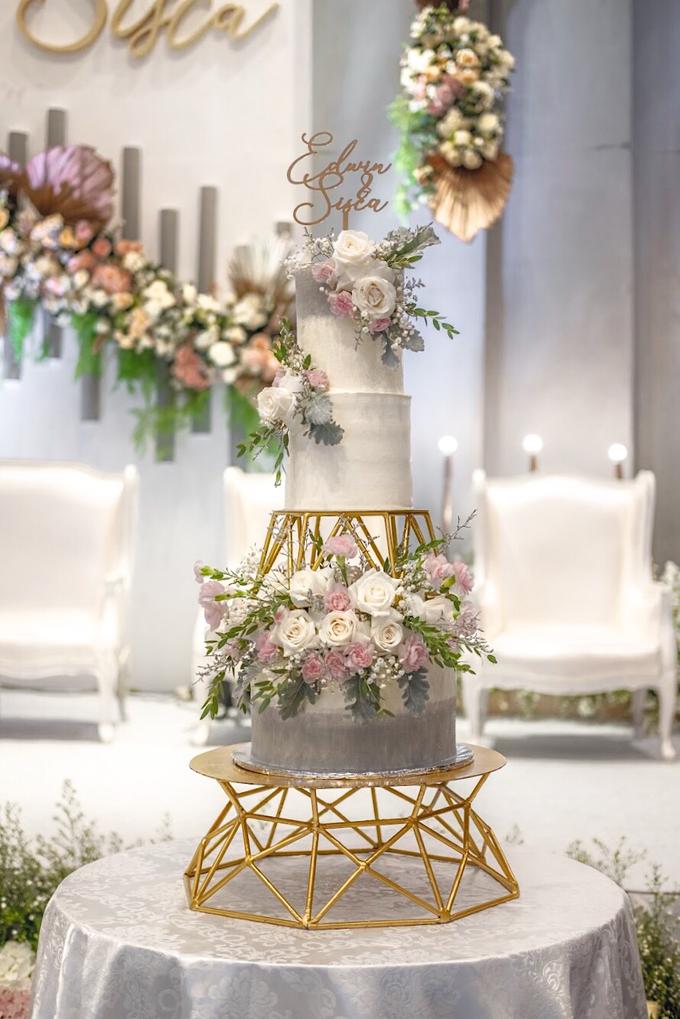 Wedding Cake - Edwin & Sisca by Lareia Cake & Co. - 003