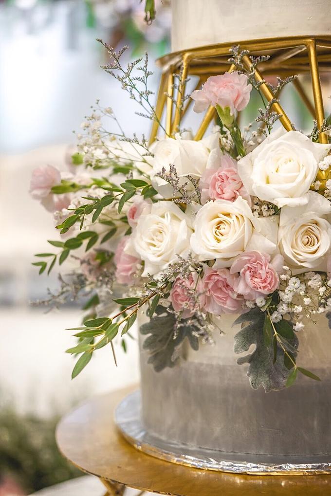 Wedding Cake - Edwin & Sisca by Lareia Cake & Co. - 002