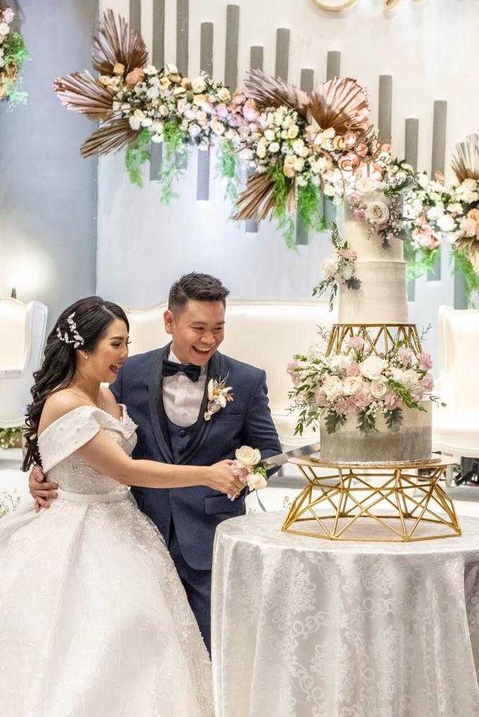Wedding Cake - Edwin & Sisca by Lareia Cake & Co. - 004