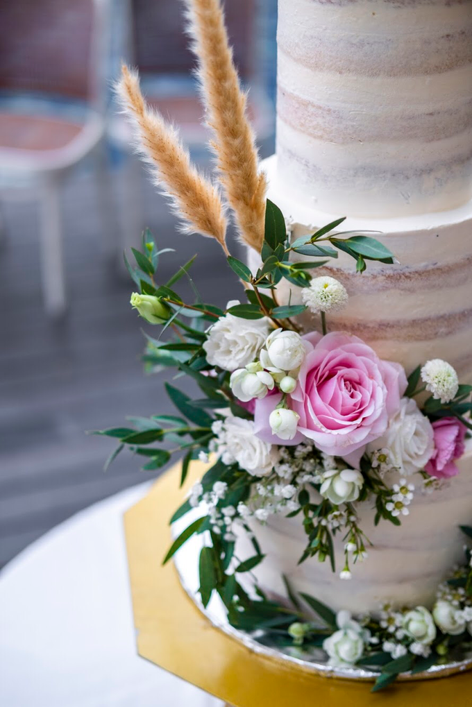 Wedding Cake - Alfa & Nathania by Lareia Cake & Co. - 002