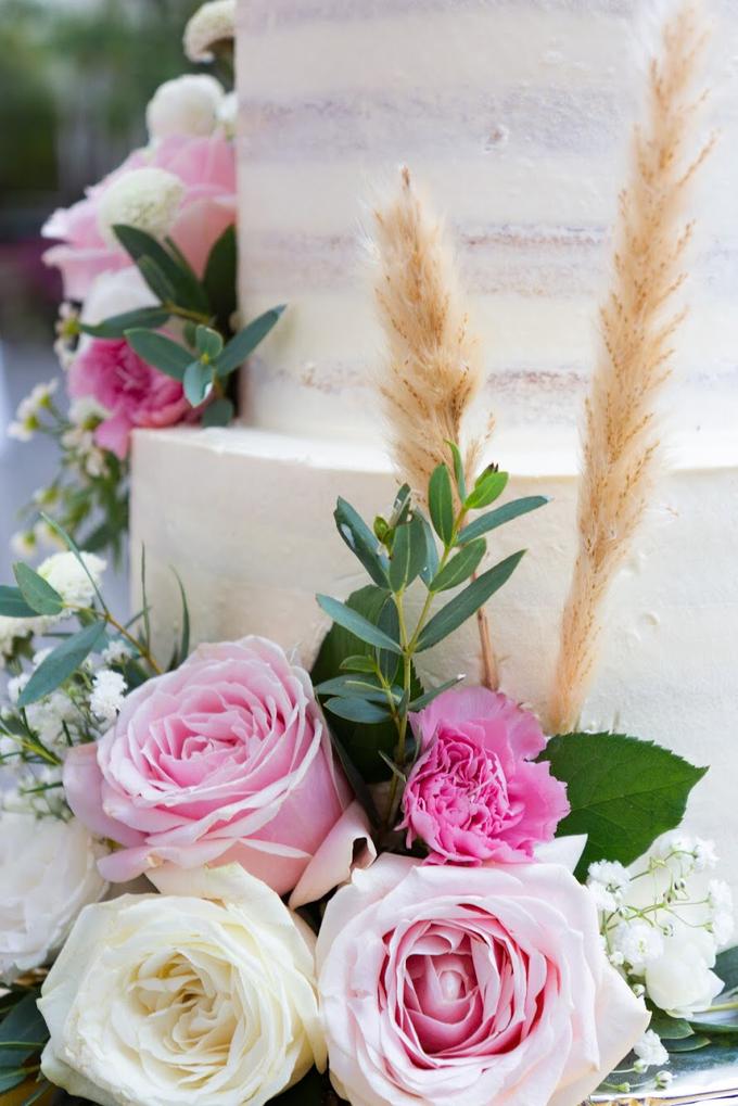 Wedding Cake - Alfa & Nathania by Lareia Cake & Co. - 003