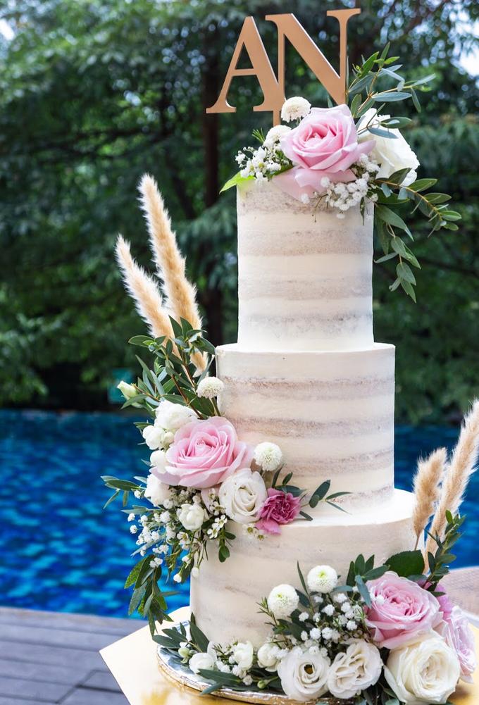 Wedding Cake - Alfa & Nathania by Lareia Cake & Co. - 001