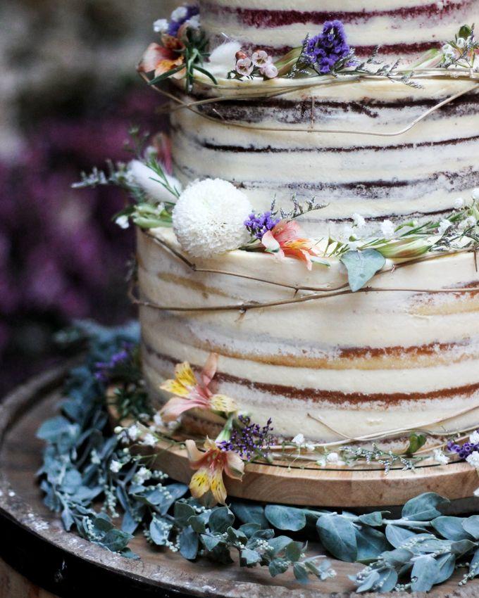 Wedding Cake - Kerwin & Lisa by Lareia Cake & Co. - 002