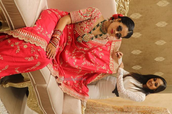 Varnamala /Reception look by Latsha Gulechha Makeovers - 002