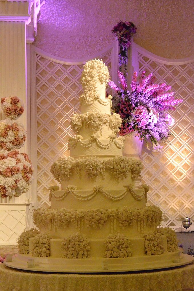 7 & 8 tiers Wedding Cake by LeNovelle Cake - 004
