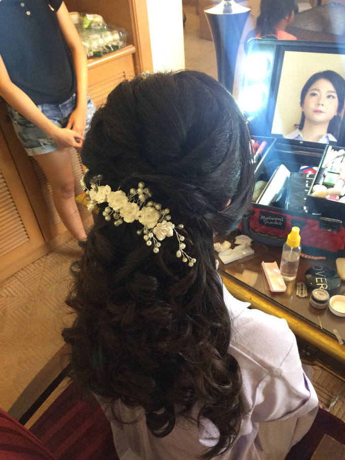Wedding Party Makeup And Hairdo By Laveniamakeup Bridestory Com