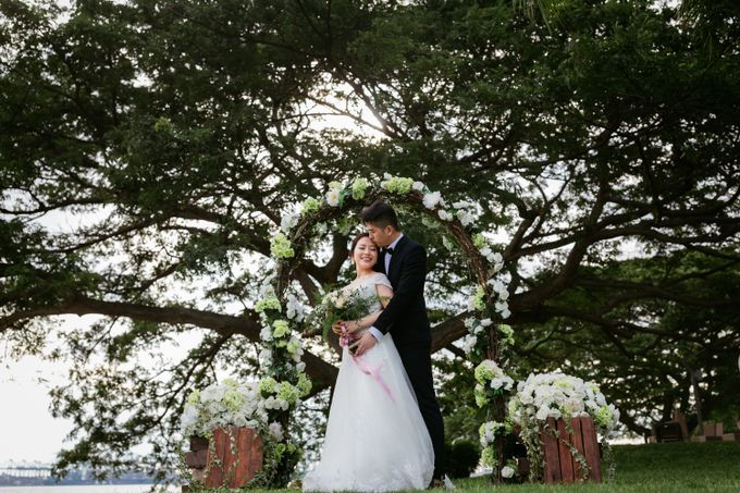 Wedding Day Moment Photography by The Gown Warehouse - 008