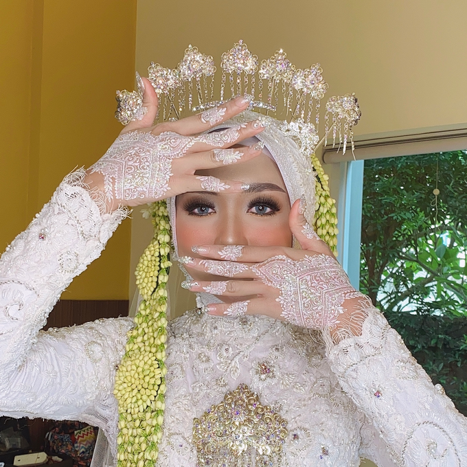 Wedding Make Up Jawa  by LCK Makeup Artist - 005