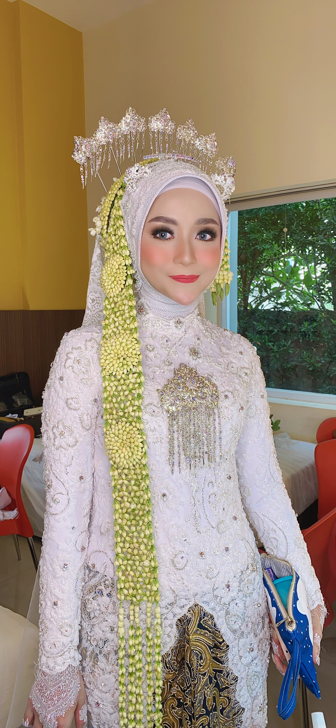 Wedding Make Up Jawa  by LCK Makeup Artist - 002