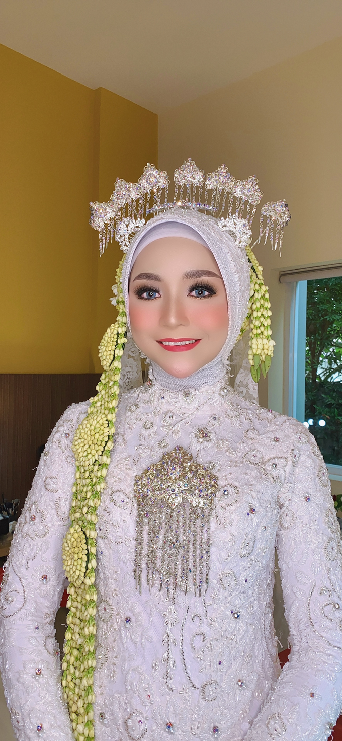 Wedding Make Up Jawa  by LCK Makeup Artist - 004