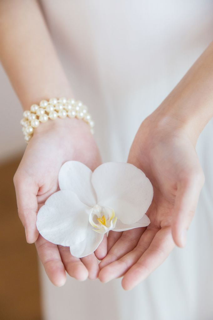 Graceful And Chic by Floral Design By Lili - 001