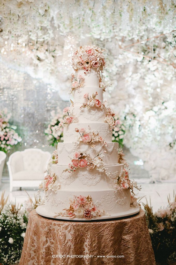 7 & 8 tiers Wedding Cake by LeNovelle Cake - 011