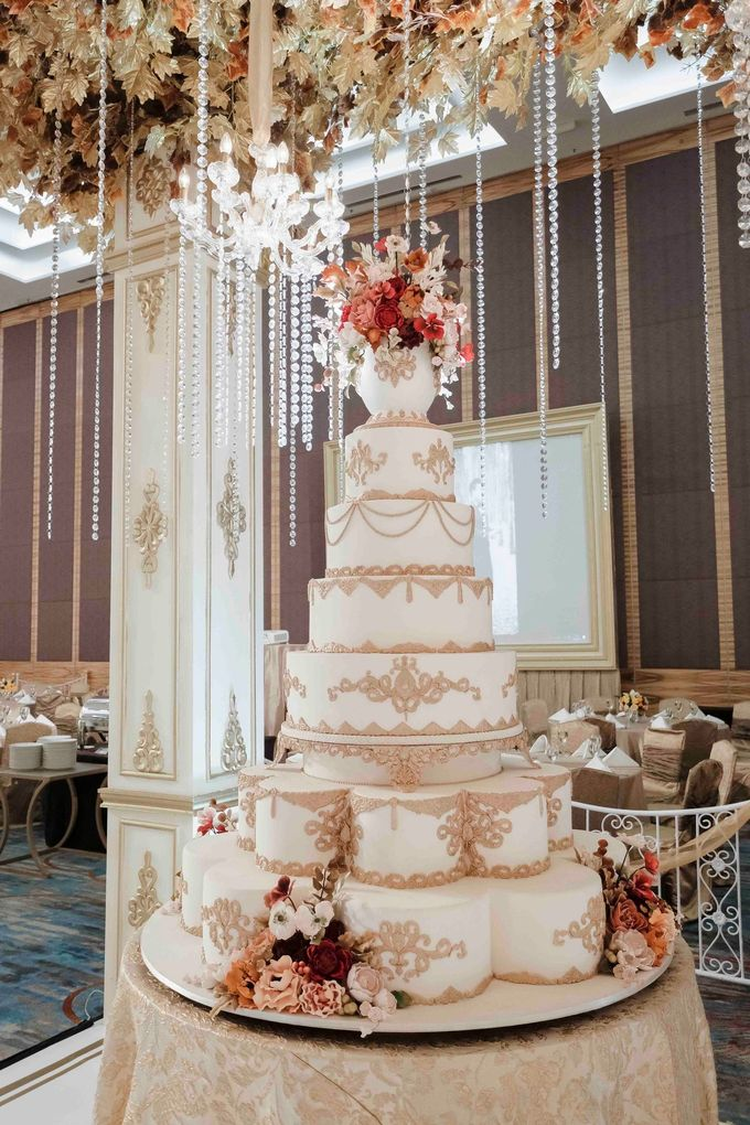 7 & 8 tiers Wedding Cake by LeNovelle Cake - 006