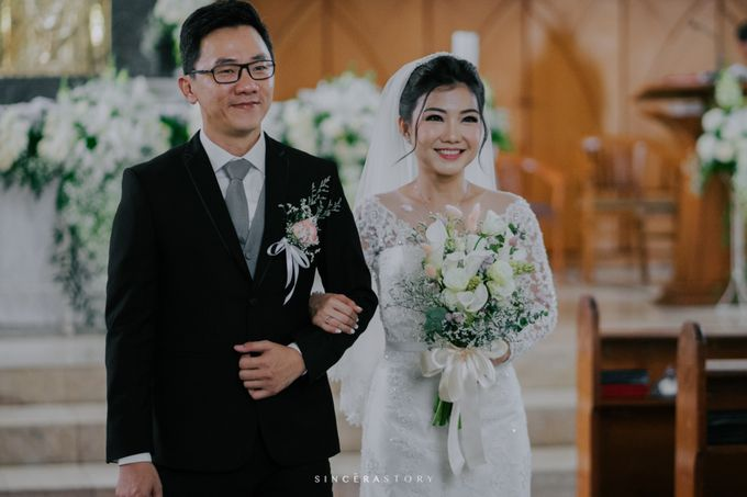 Audy & Indah Wedding Day by Reverose Flower Studio - 002