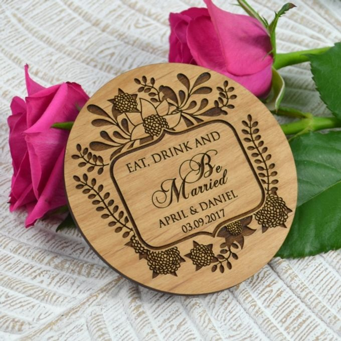 Personalized Wood Wedding Gifts by Personalized Favors - 001