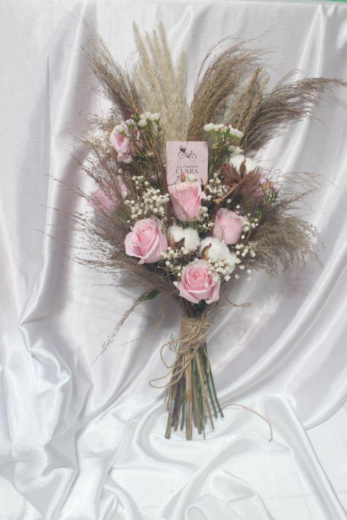 Rustic Wedding Bouquet by La Fleuriste Clara - 003