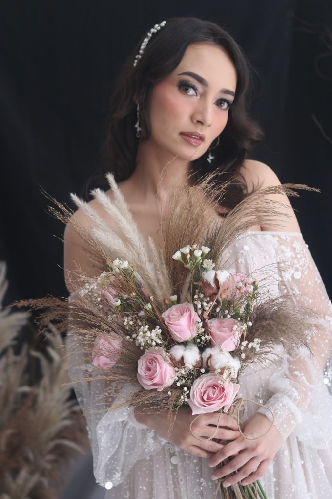Rustic Wedding Bouquet by La Fleuriste Clara - 004