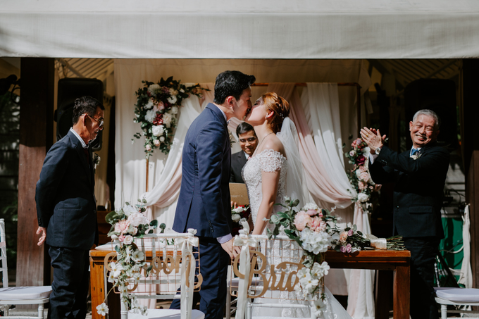 Victorian Garden Theme Wedding by Listoria Floral - 006