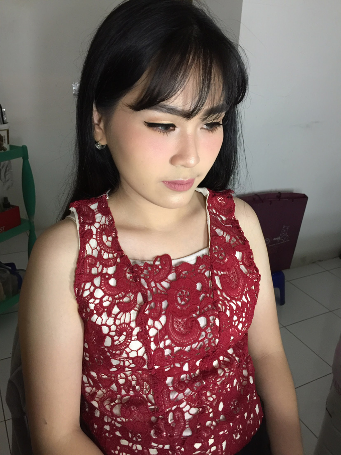 Ms. Monic Engagement by Livia Eletra Makeup Artist - 005