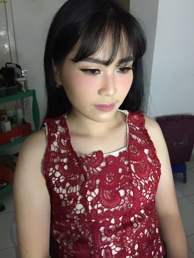 Ms. Monic Engagement by Livia Eletra Makeup Artist - 006