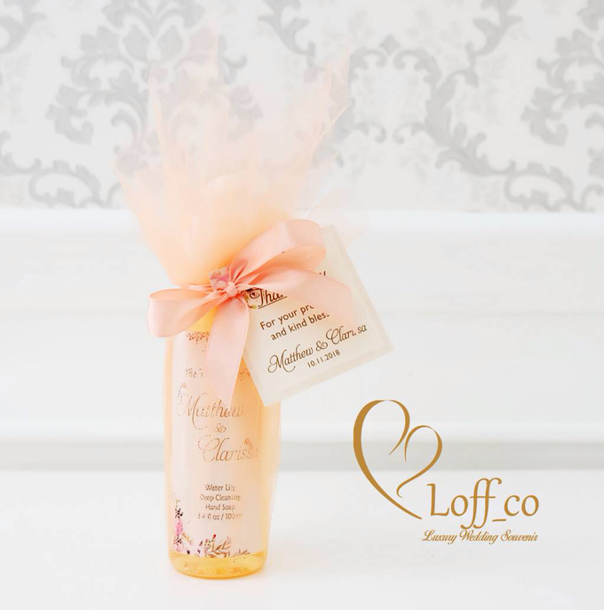 Deep Cleansing Hand Soap and Shower Gel by Loff_co souvenir - 032