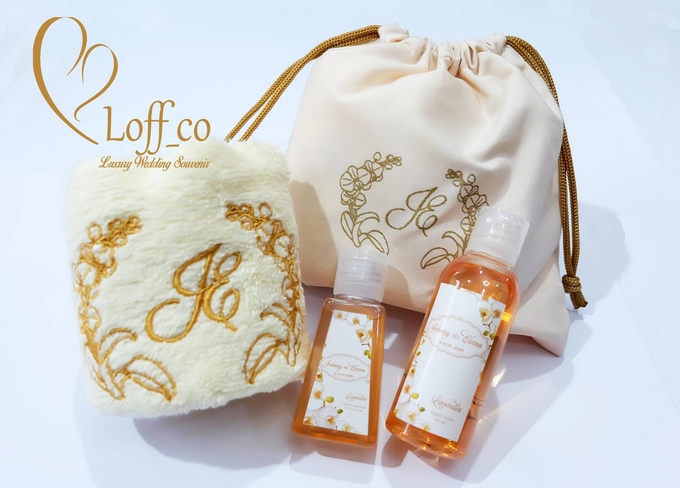 Deep Cleansing Hand Soap and Shower Gel by Loff_co souvenir - 043