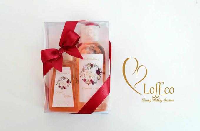 Deep Cleansing Hand Soap and Shower Gel by Loff_co souvenir - 048