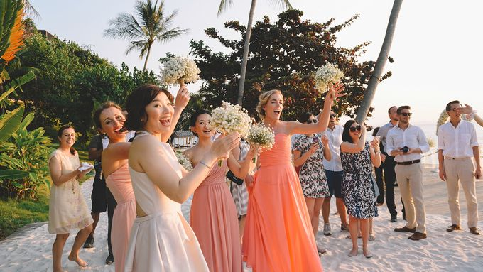 Beach wedding photo at Conrad Koh Samui by Lovedezign Photography - 037