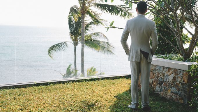 Beach wedding photo at Conrad Koh Samui by Lovedezign Photography - 013