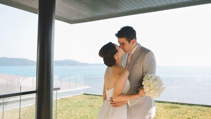 Beach wedding photo at Conrad Koh Samui by Lovedezign Photography - 016