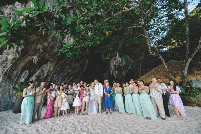 Wedding in the cave and junk  cruise honeymoon trip by Lovedezign Photography - 035