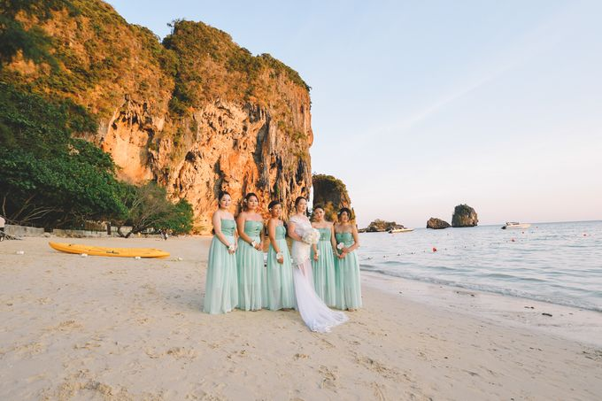 Wedding in the cave and junk  cruise honeymoon trip by Lovedezign Photography - 040