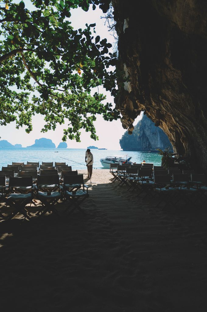 Wedding in the cave and junk  cruise honeymoon trip by Lovedezign Photography - 004