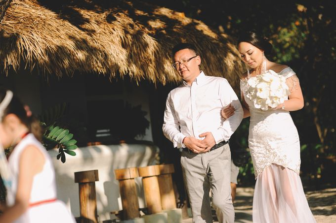 Wedding in the cave and junk  cruise honeymoon trip by Lovedezign Photography - 015