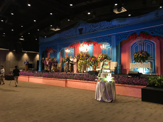 colorfull javanese wedding by Lovemedecor.id - 003