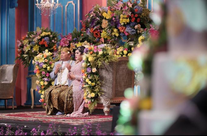 colorfull javanese wedding by Lovemedecor.id - 006